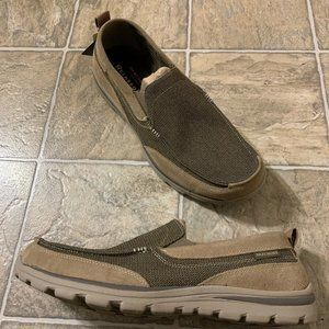 Skechers Men Relaxed Fit-Superior-Milford Loafer